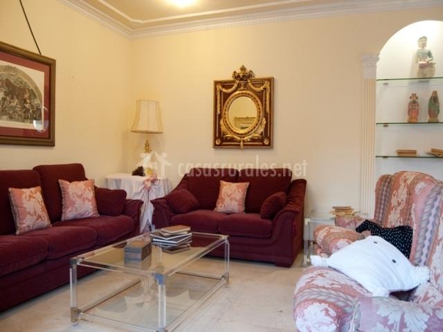 Casa senda bardenas en cabanillas navarra for Sofas individuales comodos