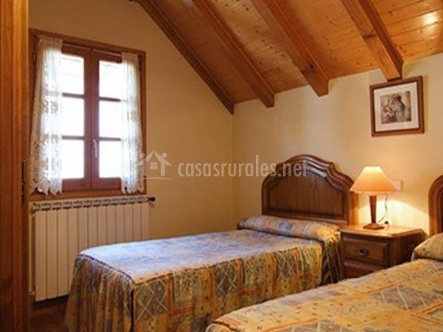 Bonito Al Baño Maria:Otro bonito dormitorio abuhardillado