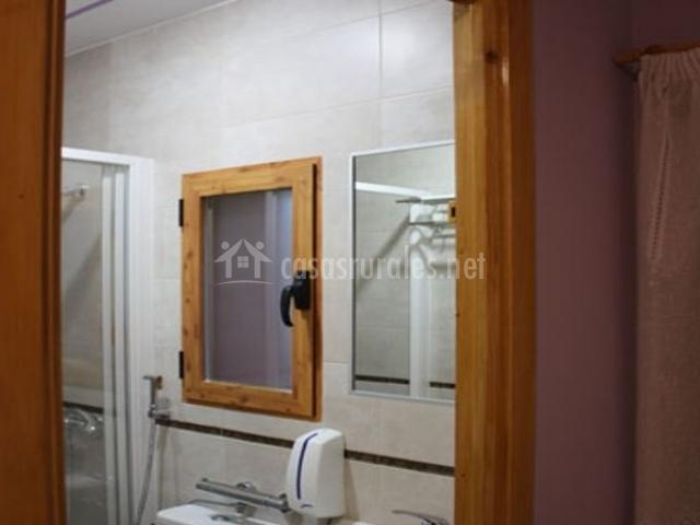 Azulejos para ba os color turquesa for Aseo con ducha pequeno