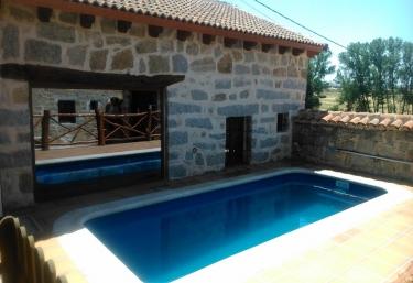 Casas rurales en castilla y le n con piscina p gina 18 for Casas rurales con piscina en castilla la mancha