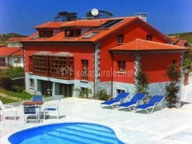 Cueto mazuga apartamento 4 en poo de llanes asturias for Tumbonas piscina baratas
