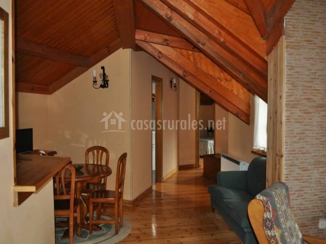 Apartamento risconegro el real de bohoyo en bohoyo vila - Vigas de madera baratas ...