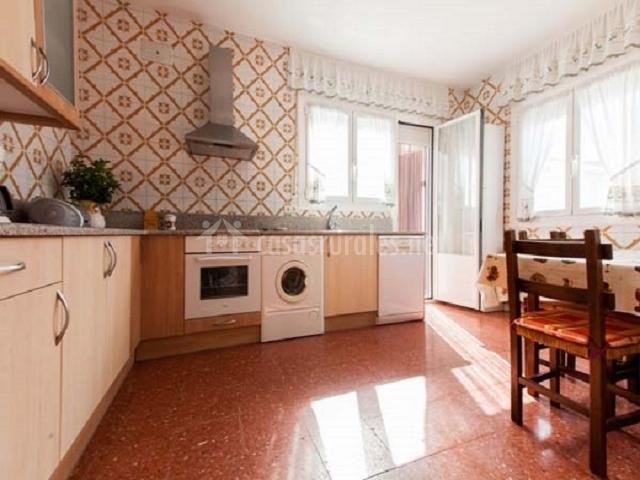 Casa rural encarna en melida navarra for Cocinas con salida al patio
