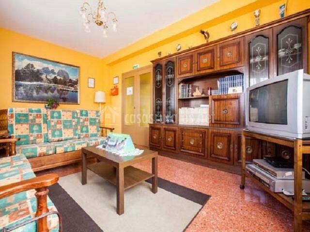 Casa rural encarna en melida navarra - Muebles de salon antiguos ...
