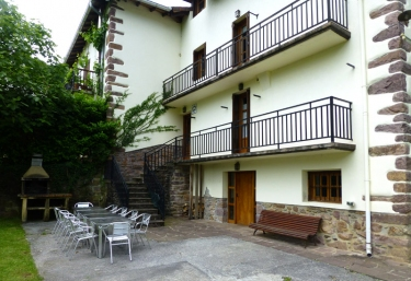 Casas rurales en navarra con barbacoa p gina 9 for Barbacoa patio interior