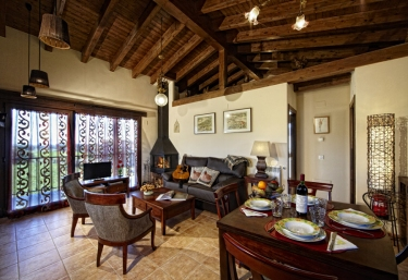 Casas rurales en hontoria con chimenea for Casa rural con chimenea asturias