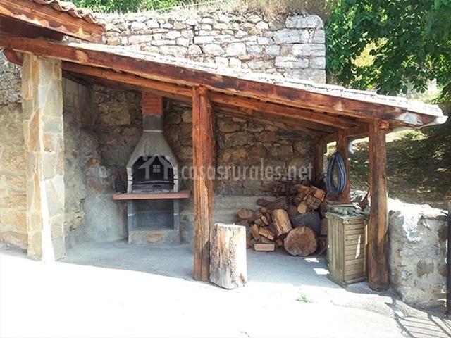 La carrozal en carrea asturias - Barbacoa exterior ...