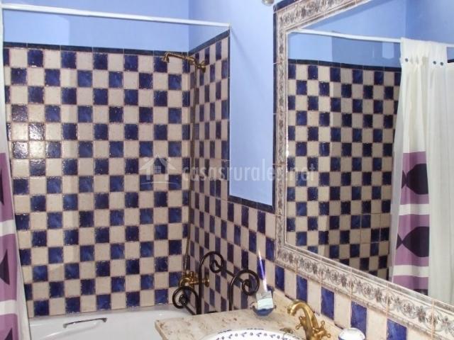 Azulejos Baño Azules:Baño con azulejos azules