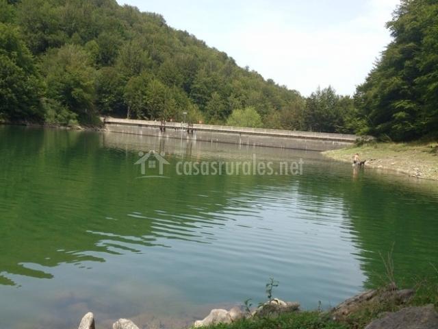 Mamparas Para Baño Asuncion:Date un chapuzón en esta piscina natural en Leurtza