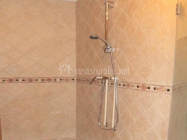 Cuartos De Baño En Beige:Ducha del cuarto de baño beige