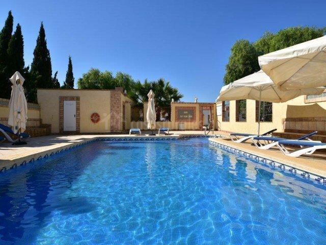 Casa catalina en san pedro del pinatar murcia for Tumbonas piscina baratas