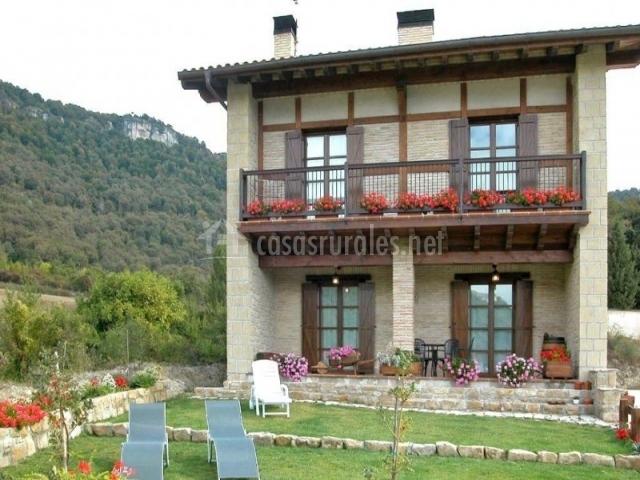 Casa rural urederra i en baquedano navarra - Casas prefabricadas en navarra ...