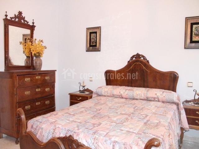Casa de la virginia en valdealgorfa teruel - Muebles de dormitorio antiguos ...