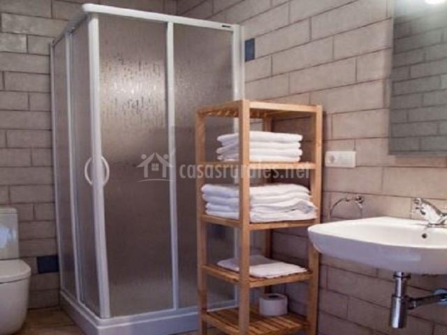 Baños Con Torre Ducha:patio trasero con acceso a las casas patio trasero con