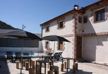 Casas rurales en ablanque con piscina for Casas rurales en portugal con piscina