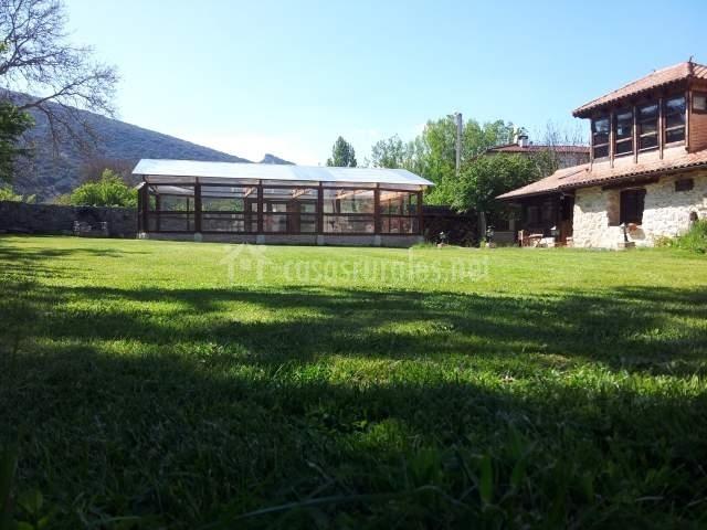 Casa la antigua en tubilla burgos - Casa rural con piscina cubierta ...