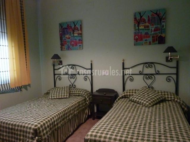 El Baño Azul Pozuelo:dormitorio doble en lila y azul dormitorio doble azul cuarto