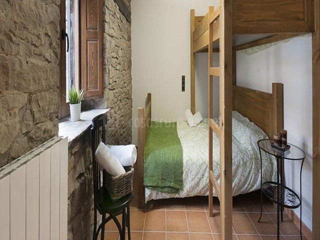 Casa rural los pacos en sabi anigo huesca for Muebles los pacos