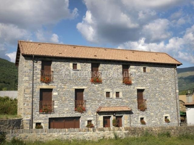Casa clemente apartamento san chus en barbenuta huesca - Casa rural leocadia y casa clemente ...