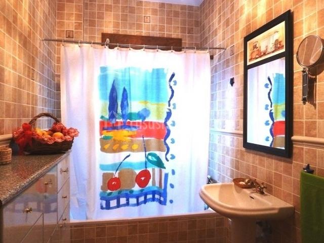 Cortina De Baño Original:Cuarto de baño con cortina original