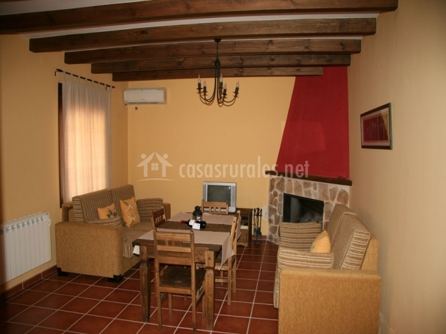 Casa mariasnal mirada del yelmo en cortijos nuevos ja n - Sillones de esquina ...