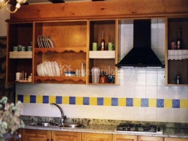 Azulejos Para Baños Asuncion:Cocina con azulejos azules y amarillos