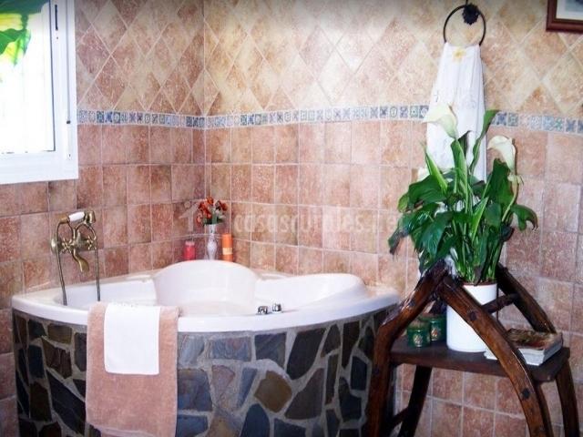 Baño Relajante Jacuzzi: verde con preciosa alfombra cuarto de baño relajante jacuzzi