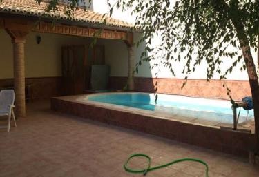 Casas rurales con piscina for Casa rural 2 personas piscina privada