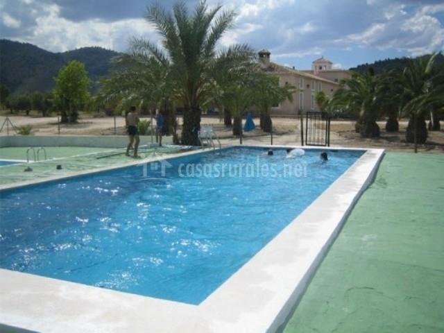 Cortijo de aperos en ferez albacete for Complejo rural con piscina