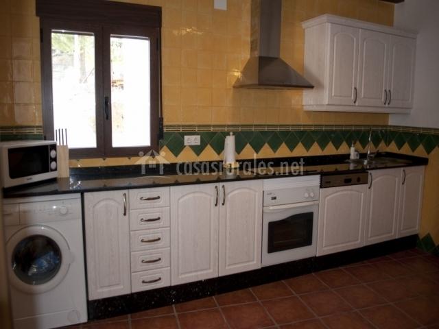 Casa rural la tejera en yeste albacete - Muebles de cocina albacete ...