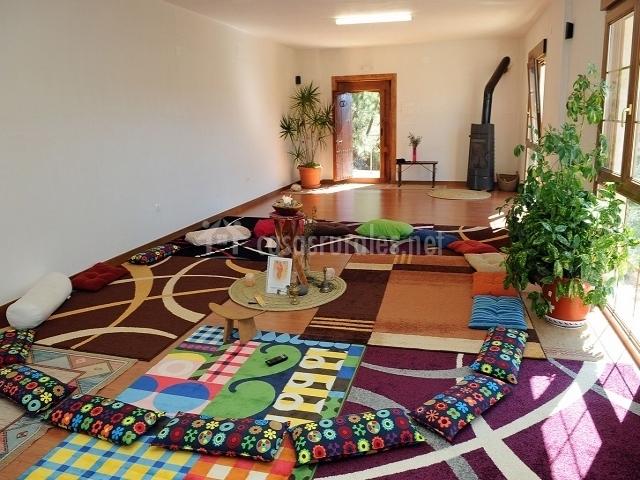 Piedra la ventana en yeste albacete - Salas de meditacion ...