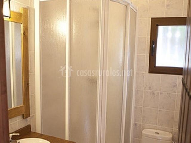 Fuentelisa 2 en paterna de madera albacete - Cuartos de bano con plato de ducha ...