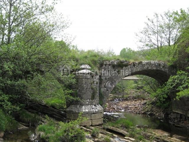 Puente Romano Matrimonio : La cabaña de agüera en aguera montija burgos