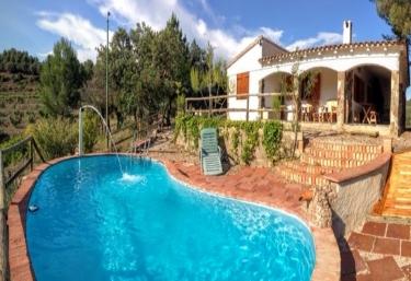 Casas rurales en tarragona con piscina for Casas rurales con piscina en alquiler