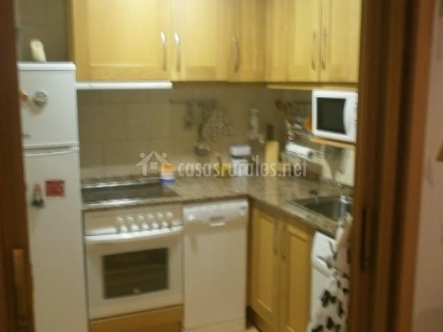 Apartamentos castillo 1 en parzan huesca for Muebles de cocina huesca