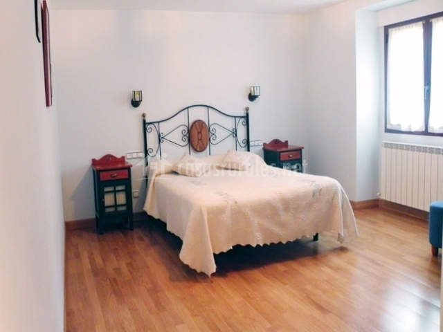 Casa mirizabal en oloriz navarra for Una cama de matrimonio