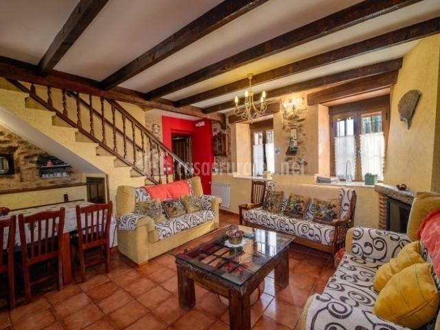 La calista ii casa rural en santa catalina de somoza le n for Sala de estar madera