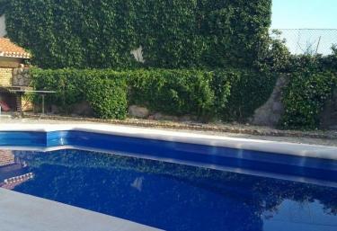 Casas rurales en madrid con piscina for Casas rurales sierra de madrid con piscina