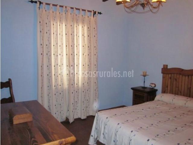 Mansi n piedras blancas en colmenar m laga for Cortinas blancas dormitorio