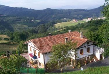 Casas rurales en bermeo con chimenea - Lurdeia casa rural bermeo ...