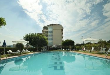 Casas rurales en galicia con piscina for Hoteles rurales en extremadura con piscina