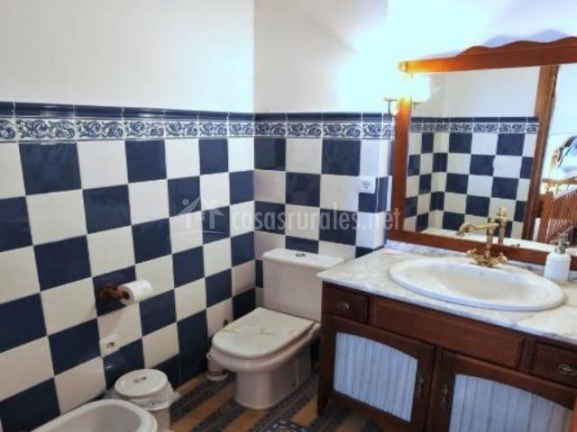 La casona de mahora en mahora albacete - Banos con azulejos azules ...