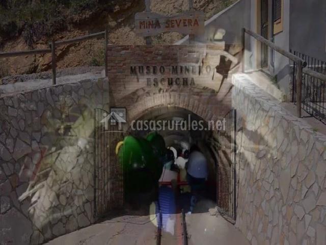 Juegos De Baño Olmos:techo suite con cama de matrimonio museo minero de escucha