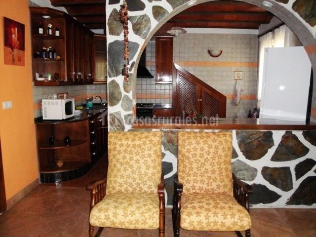 Casa cayo en navares murcia for Barra americana cocina salon