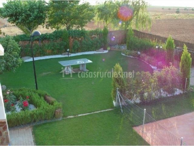La casa de carlos en pozuelo de calatrava ciudad real for Casa rural jardin del desierto