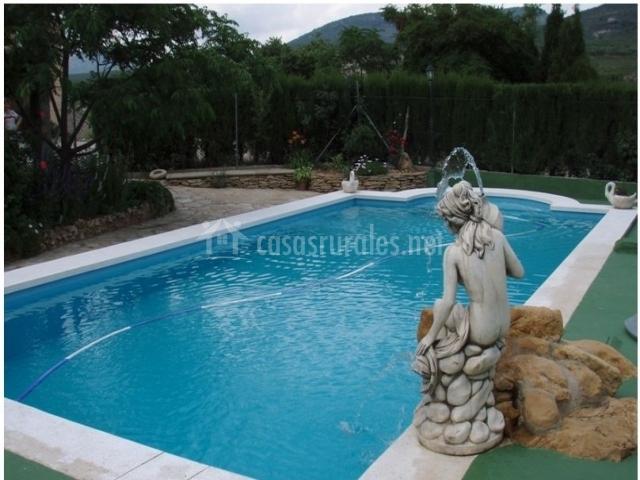 Mas de la segarra en vilar de canes castell n for Bordillo piscina