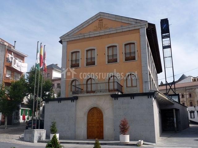 Las dos estaciones en la ca ada vila - Casa rural las navas del marques ...