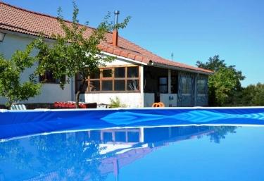 Casas rurales en sierra de ayll n con piscina for Casas rurales sierra de madrid con piscina