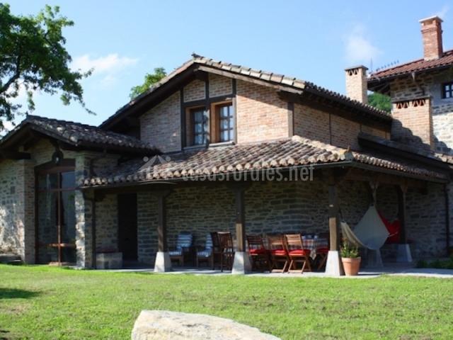 Casa rural garabilla en llanteno lava - Casas rurales madera ...