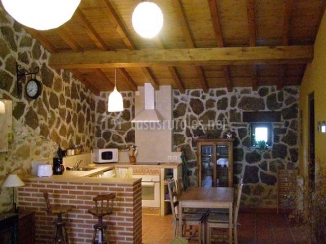 El pajar de t o mariano en solana de avila vila for Salon comedor cocina mismo espacio